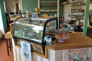 Cafe_ARTig_6_Theke_Beitrag