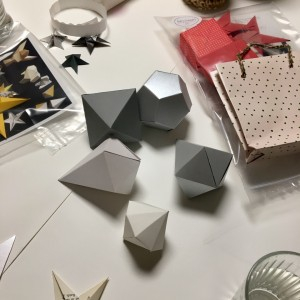 Kreativ-Workshop: Weihnachtliches aus papier @ Hamburg | Hamburg | Deutschland
